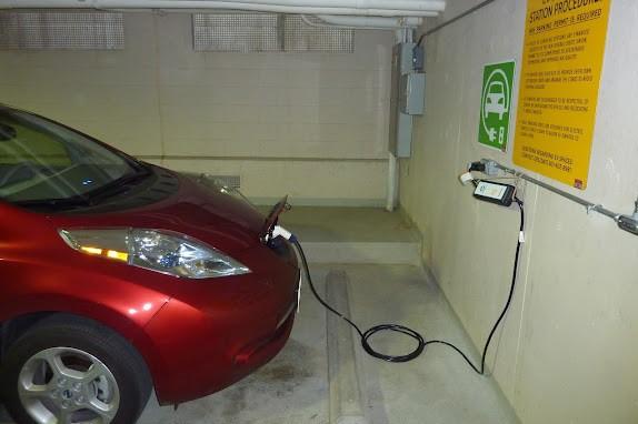 Priza pentru automobile electrice - sursa Wikipedia