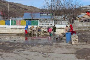 Satul Dobromir saracie sursa Info Sud Est