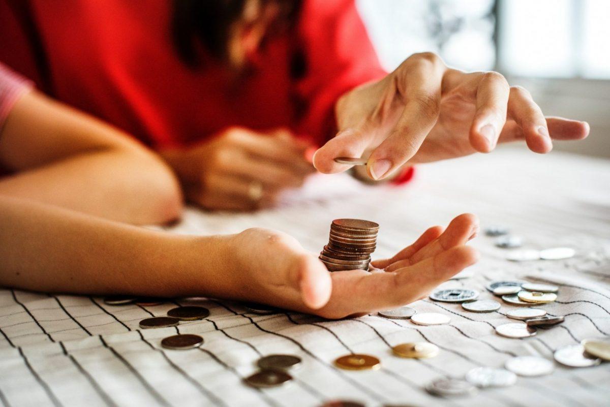 Bani, monede / Foto: Pexels.com