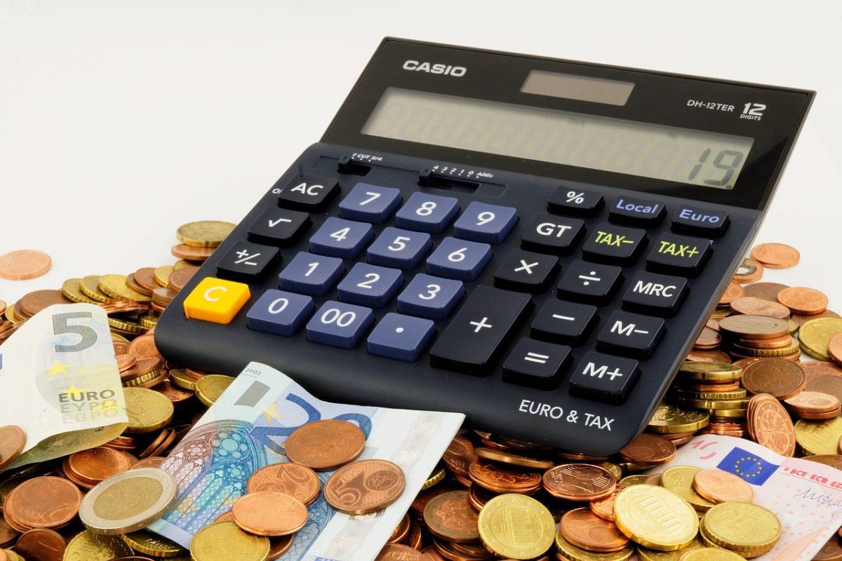 bani, salarii, calcul pixabay.com