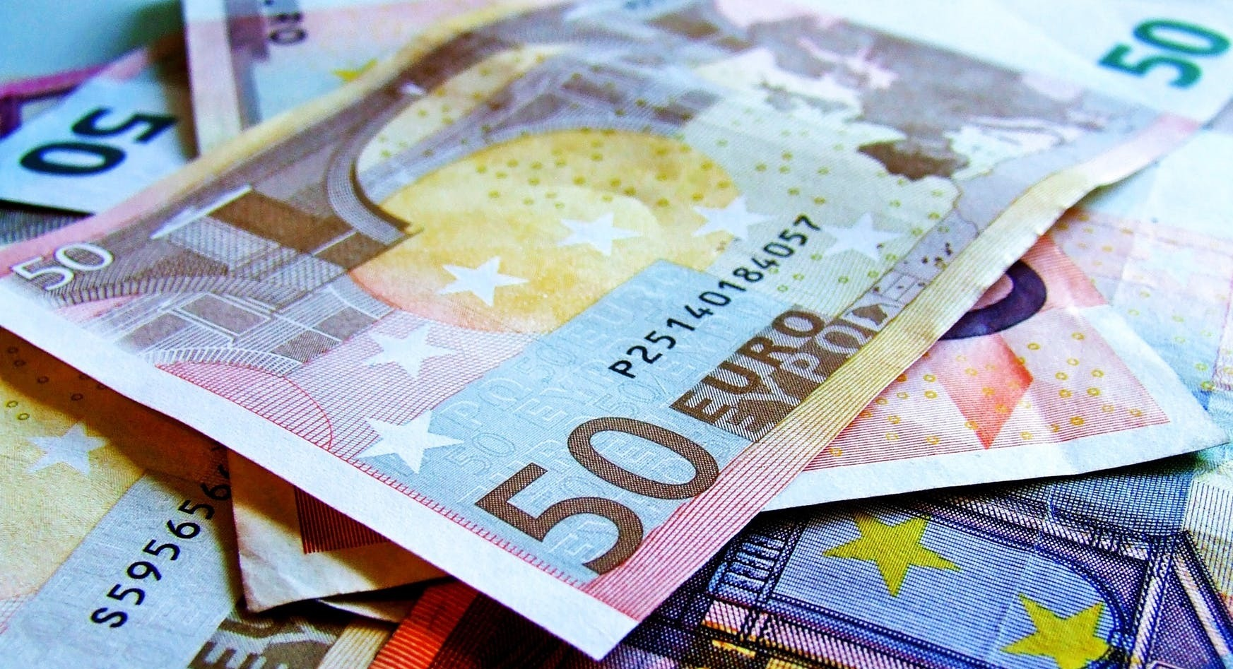 euro-bani-europa