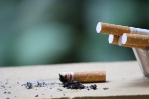 tigari fumator pexels