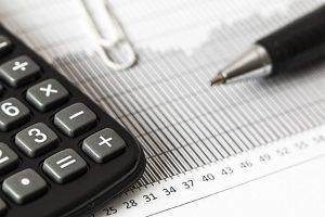 calculator calcule bani criza economie grafic contabil pexels