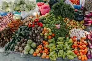 rosii ardei mere legume fructe alimentara piata taraba agricultura fermieri pexels