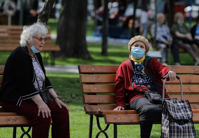 Coronavirus, covid, batrani, pensionari, masca