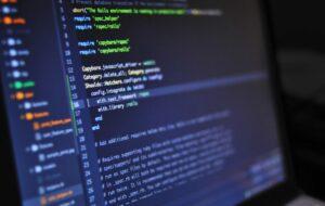 calculator-informatica-programare-cibernetica-hacker-sursa-pexels-e1587469808355
