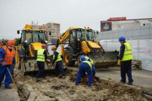 muncitori-excavatoare-pmb-e1590141084101