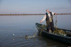 pescar-navod-delta-dunarii-Nathalie Bertrams_Danube Delta_13