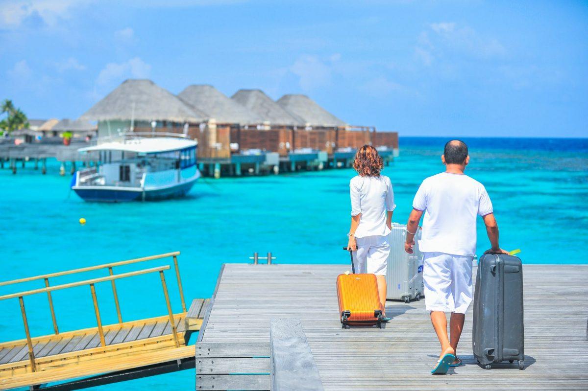 turism turisti vacanta concediu calatorie relaxare bagaje pexels