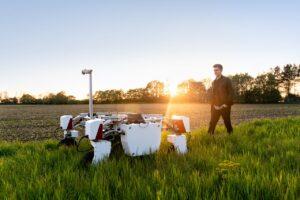 Robot agricultura sursa Pixabay