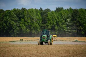 agricultura, teren agricol, combina, tractor