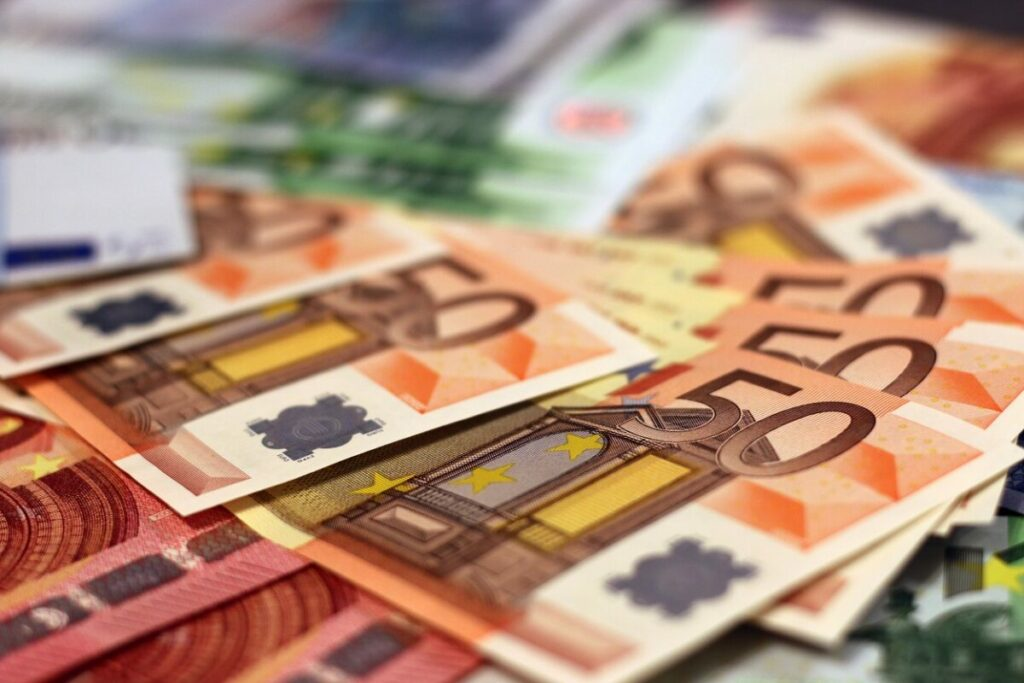 bani, euro, bancnote