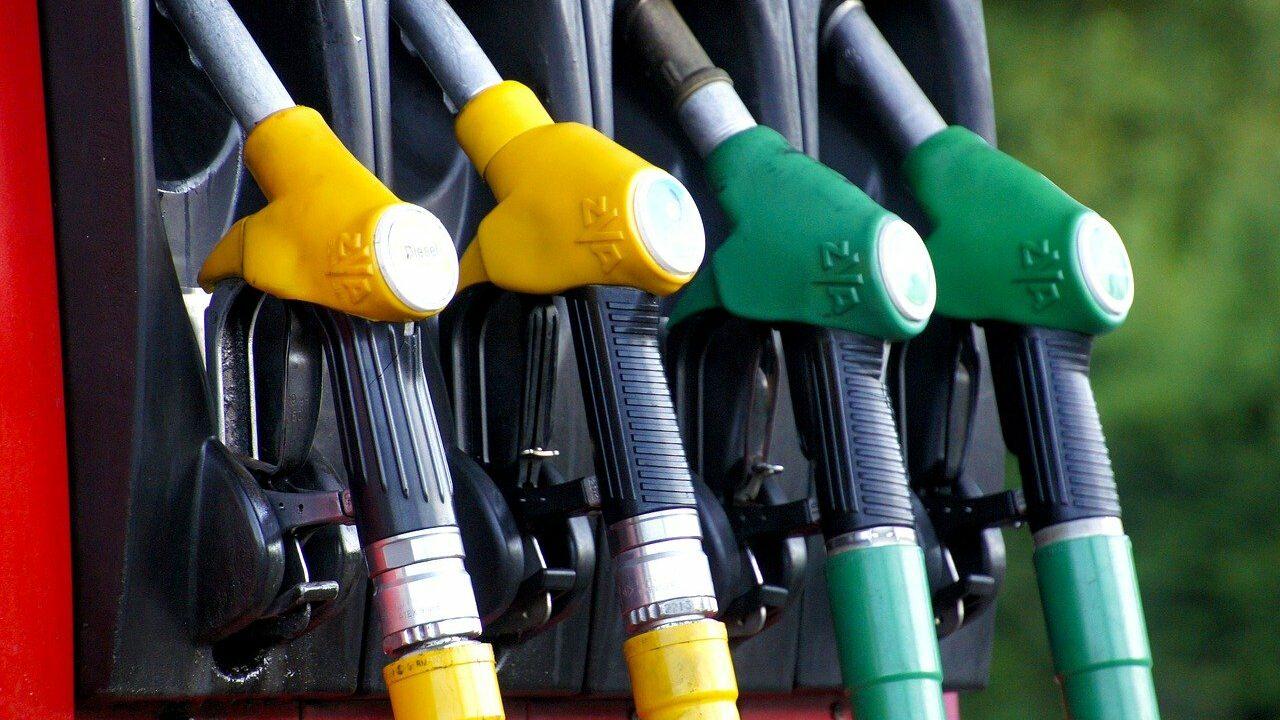 benzina carburant alimentare pompa foto pixabay