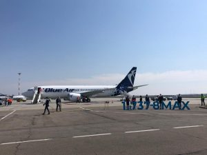 blue air boeing 737