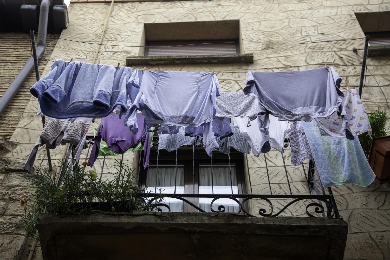 rufe, haine, balcon, uscat foto dreamstime