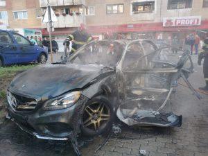 explozie arad masina om de afaceri