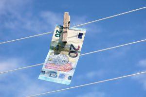 spalare de bani, euro