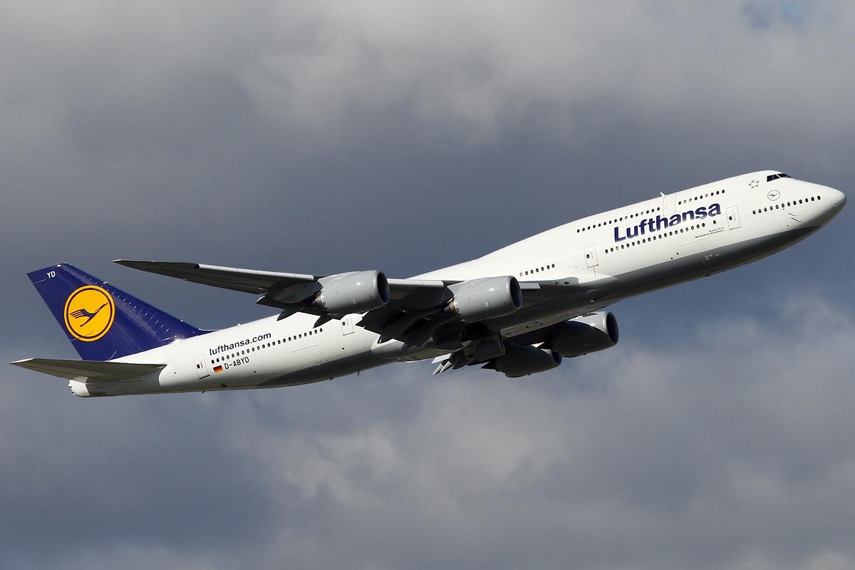 Lufthansa Boeing 747-830