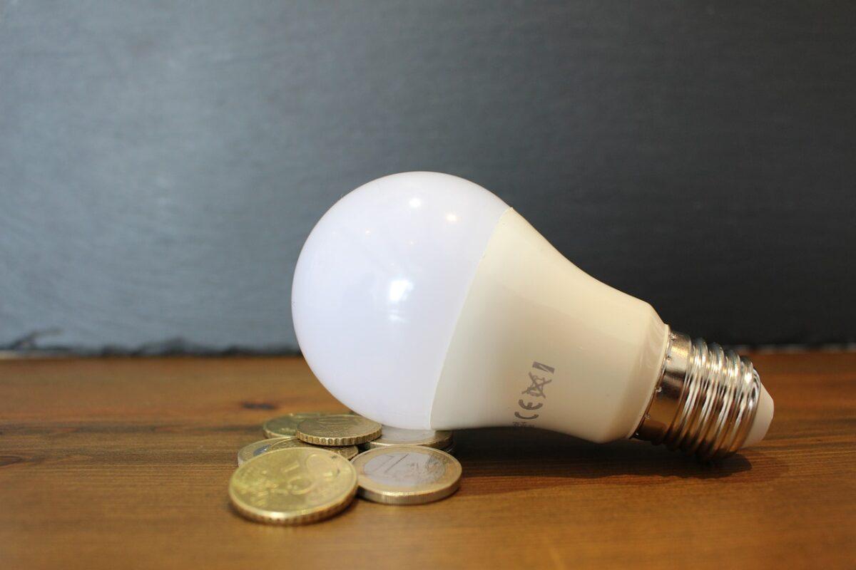 bec, lumina, curent, energie electrica, bani, factura