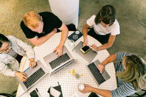 startup, echipa, calculator
