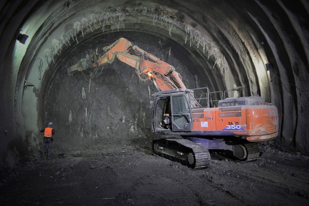 Lucrări Tunel feroviar Coridor 4